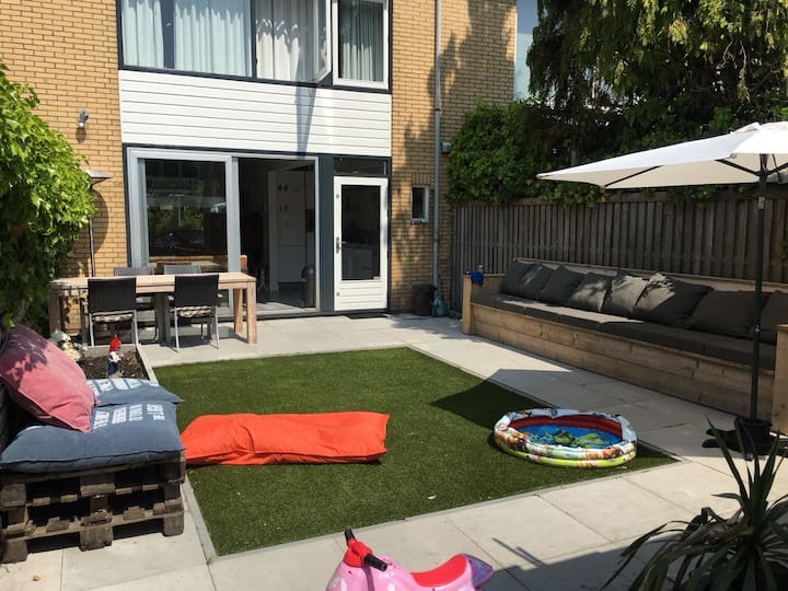 Cosy place with sunny garden close to Amsterdam