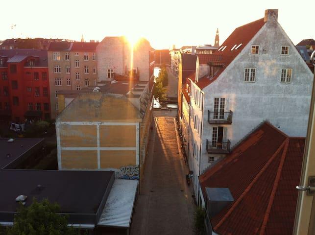 Cozy loft apartement in popular Christianshavn - København - Flat