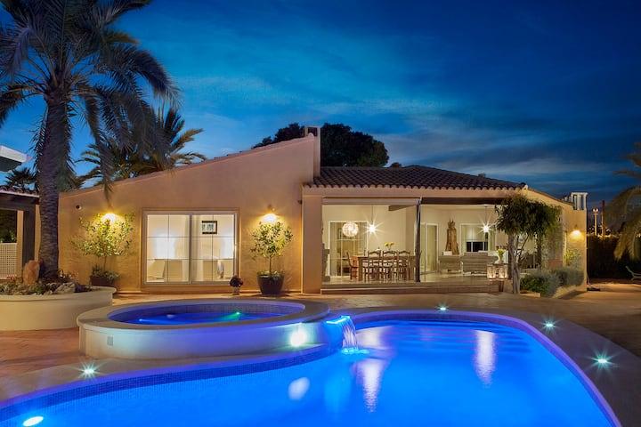 Flott villa i Albir, med fantastisk uteområde