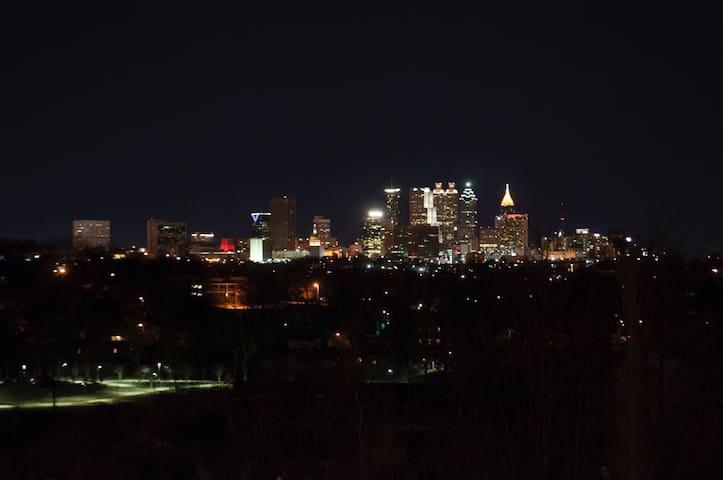 Wow What A View from an artist loft. - Atlanta - Apartment