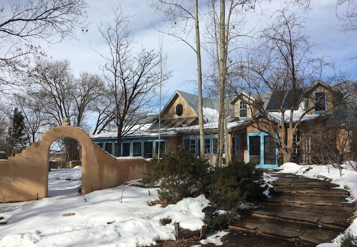 ranchos de taos milfs dating site View property information for  camino perdido, ranchos de taos, nm 87557 and contact the listing agent on the real estate book.