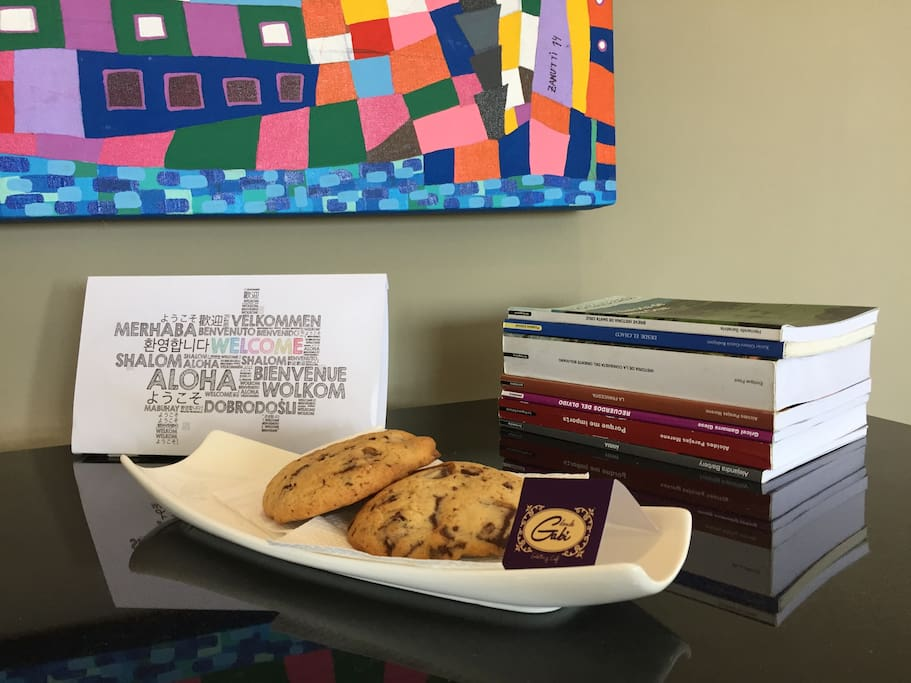 Welcome chocolate chip cookies. Galletitas de bienvenida.