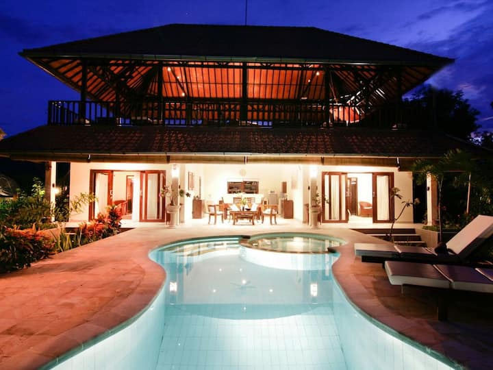 Two story traditional balinese villa in Lovina