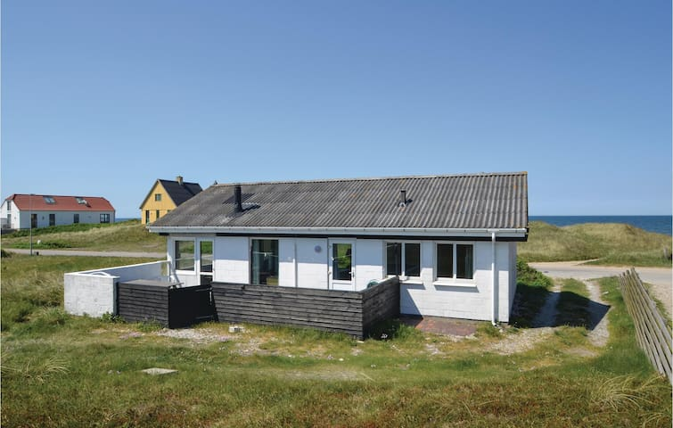 Holiday cottage with 3 bedrooms on 62m² in Frøstrup