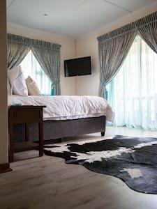 BougainVilla Guesthouse