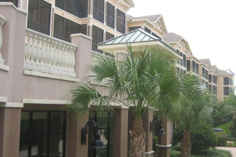 comfy hotel style condo sleeps 6 condominiums for rent in winter