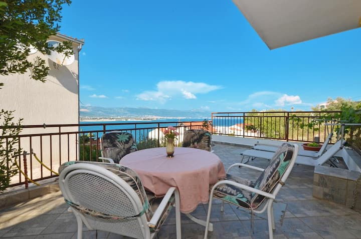 Two bedroom apartment with terrace and sea view Trogir (A-14242-a)