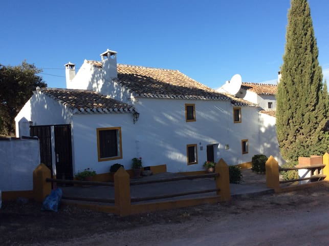 Charming Spanish house. - Villanueva del Trabuco - 獨棟