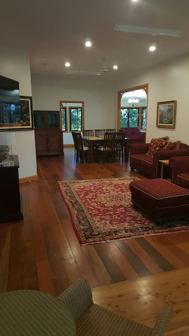 Spacious Loungeroom and dining area