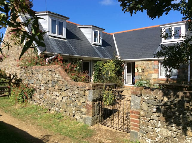 Le Hurel Farm Cottage, Sark