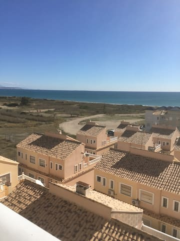 3 bedroom penthouse with amazing sea views/ pool - Alicante - Huoneisto