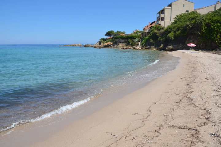 Mini villa avec piscine à 400 m de la mer x10