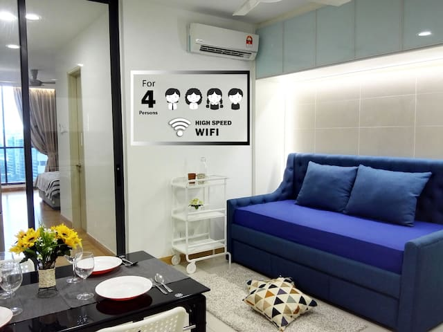 KL Gateway Cozy Suite WiFi Netflix|LRT, Nexus, UM