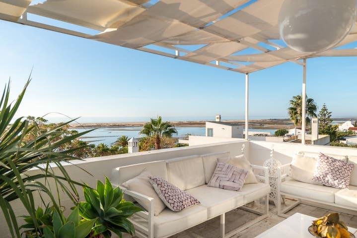 Penthouse avec vue sur la mer près de la plage de l'Algarve