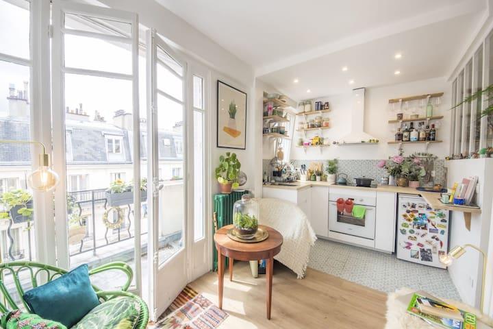 LUMINOUS STUDIO - PARIS- NEAR SACRE COEUR