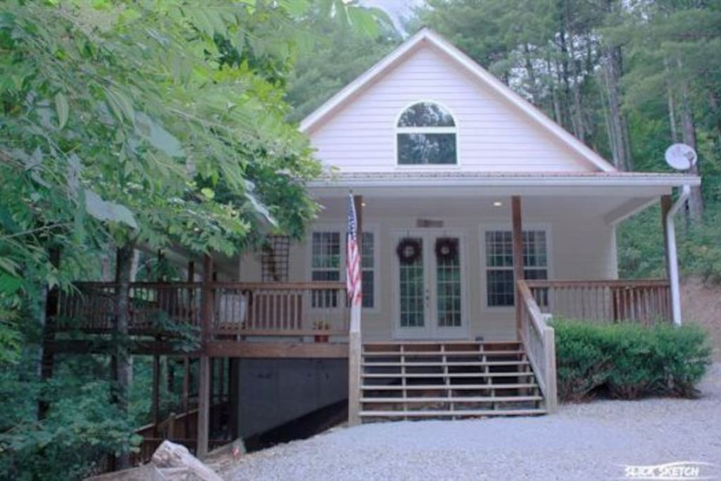 Coon s den blue ridge cabin rental cabins for rent in for 8 bedroom cabins in blue ridge ga