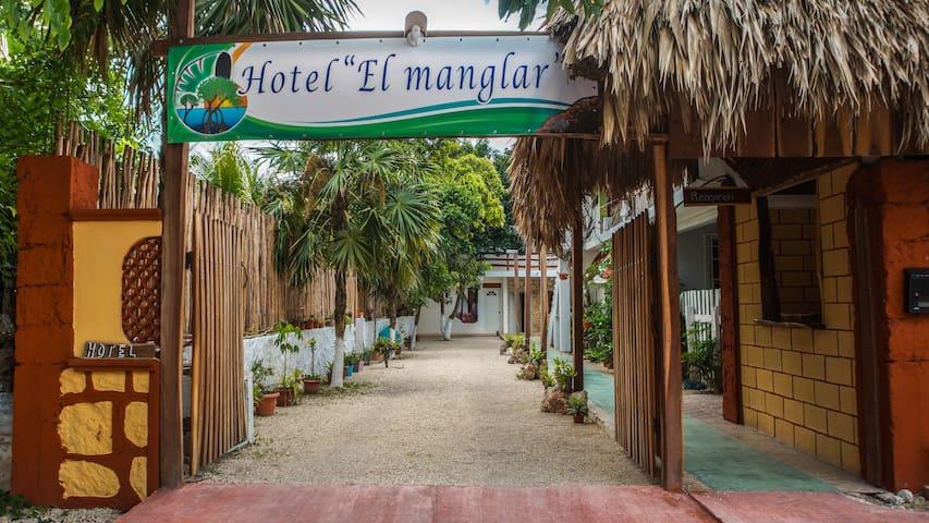 """Hotel """"El Manglar"""" (habitación doble)"""