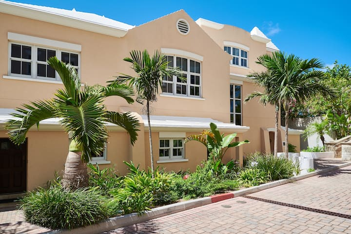 The WaterFront Residence, Room # 6, Bermuda