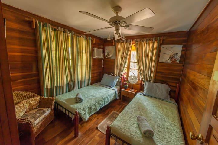 Top floor two bedroom ocean views