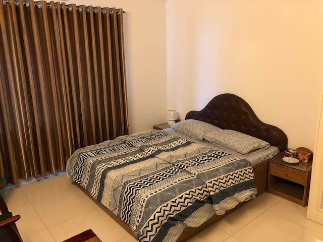 Cosy ensuite double bedroom in Bashundhara RA