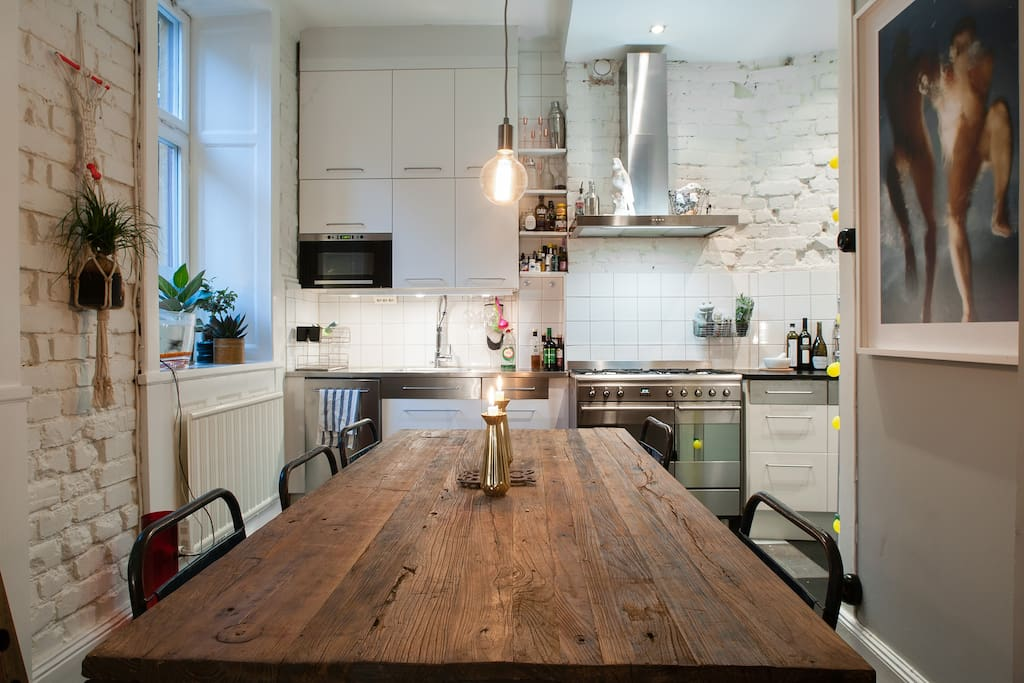 Real Kitchen tables joining the lounge room &kitchen