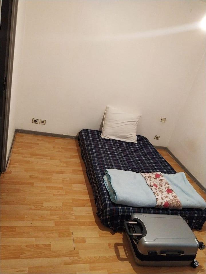 Chambre dans un T2+Parking privé