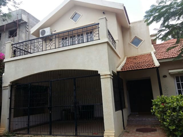 Great 4-Bedroom Villa in Palm Meadows, Bangalore! - Bangalore - Casa