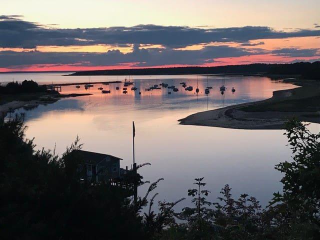 Amazing Views, Sunsets, Private Beach - Sleeps 10