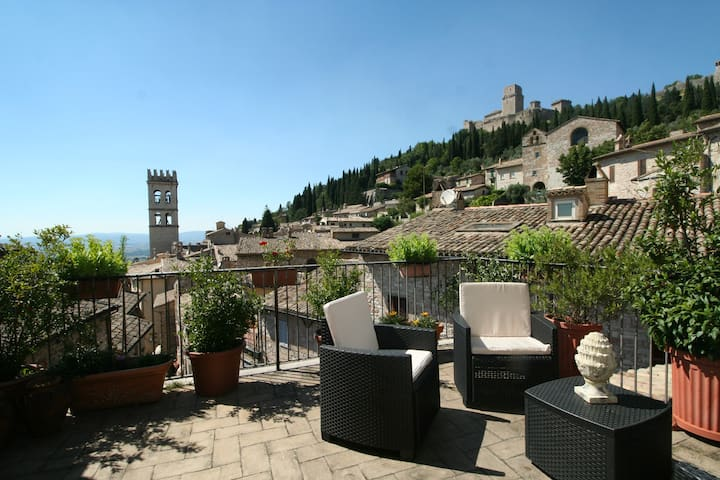 Panoramic view in Assisi with 2 terraces - Assisi - Apartment