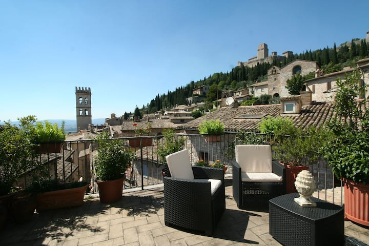 Panoramic view in Assisi with 2 terraces