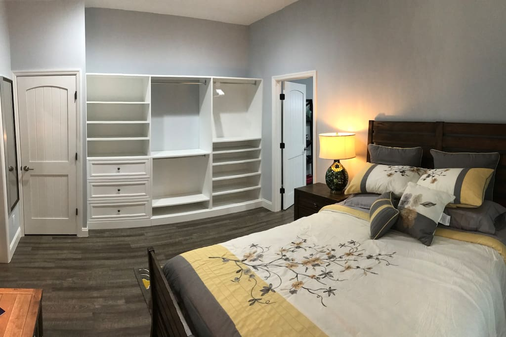 Staying for a while? Good you will have plenty of closet space and a comfortable queen bed to sleep in.