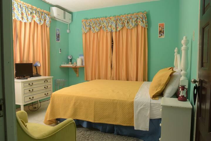 Princess Sunbird King Room