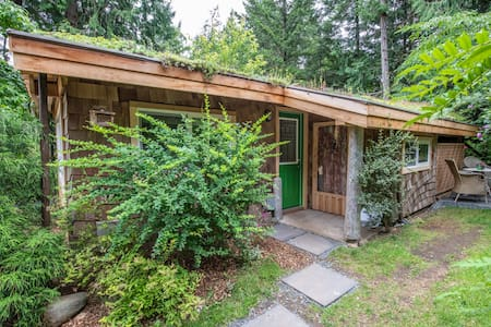 "Nautilus House ~ Hornby Island ~ ""Studio Cottage"""