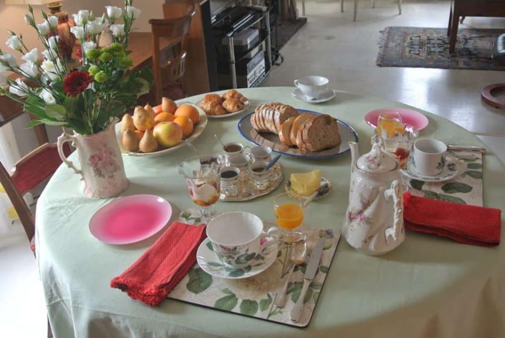 Marie Thé vous servira un très bon petit déjeuner