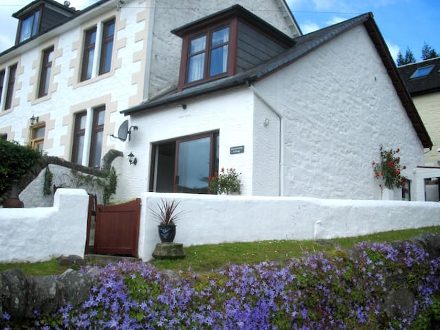Portdrishaig Cottage