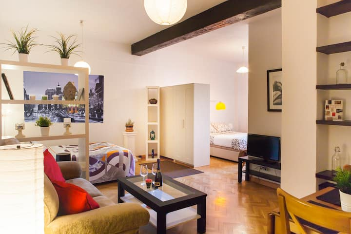 Be a guest in the heart of Madrid.