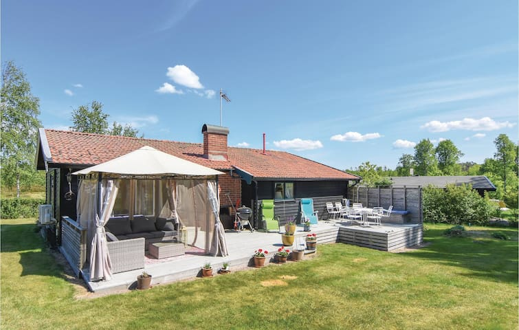Holiday cottage with 3 bedrooms on 68m² in Brastad