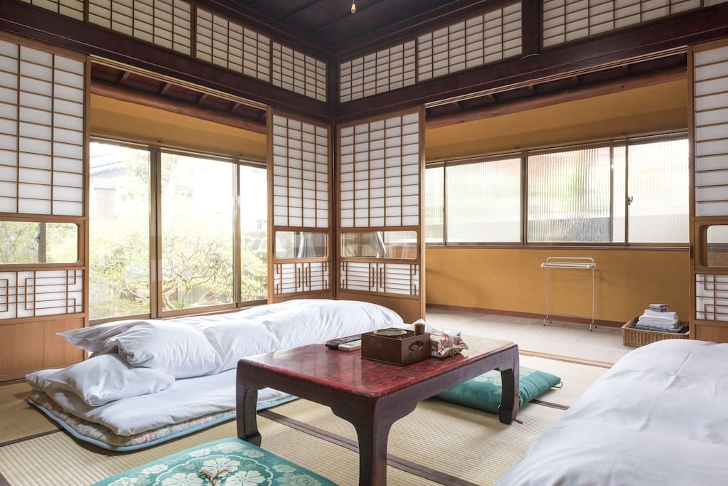 Bedroom for 4 guests surrounded by Japanese garden