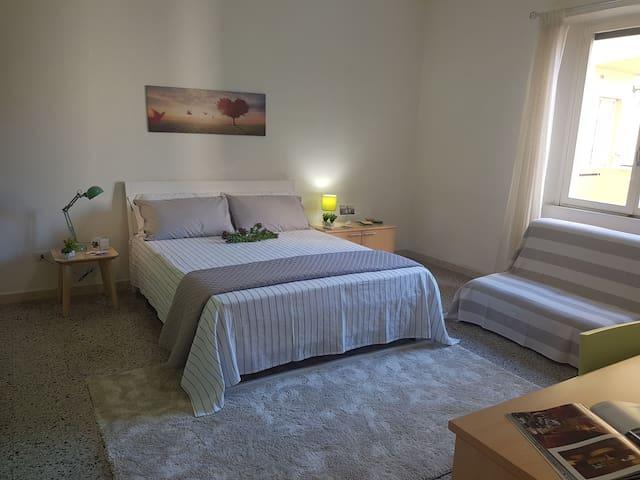 Comfort bedroom-private bathroom near city centre - Cagliari - Apartment