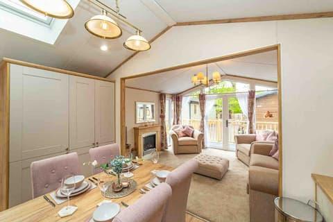 Luxury Lakeside Lodge (45) Winderemere/Bowness