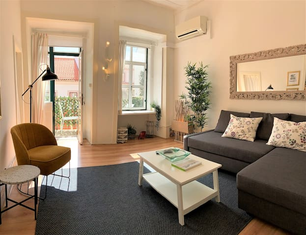 T1 - Beautiful flat with balcony  & Great location