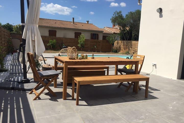 Villa avec piscine proche Montpellier et 2km mer