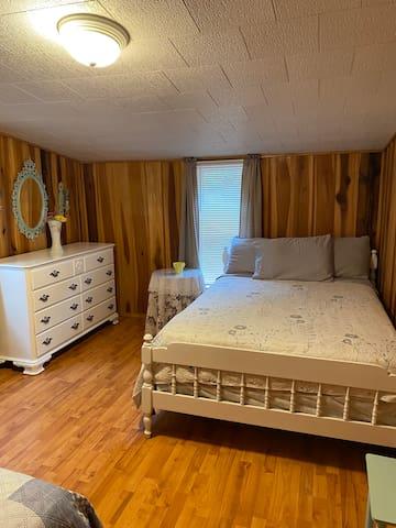 Bedroom #4- 2 full
