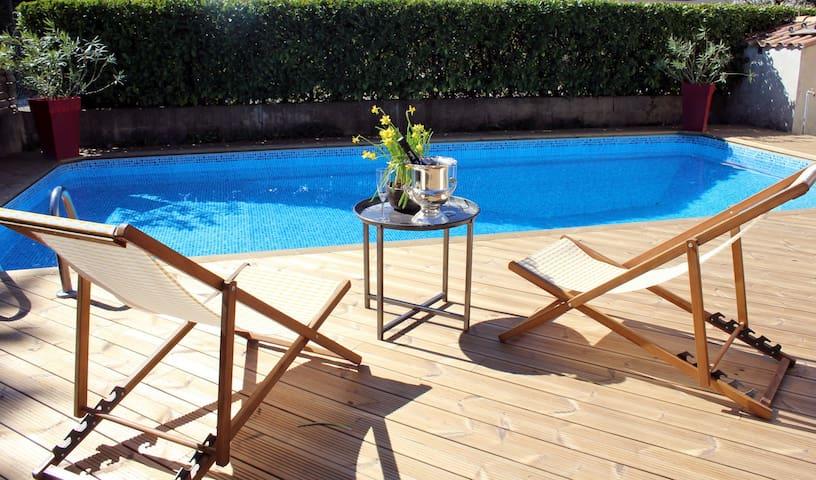Belle Villa calme piscine et déco asia...