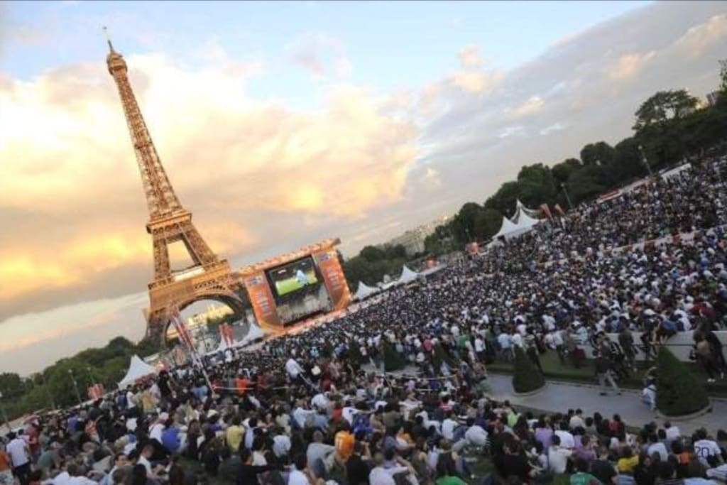 The apartment is ideally located for the Euro UEFA 2016! It's 5min walk from the biggest fan zone located at the foot of the Eiffel Tower. 90,000 supporters are freely welcome to watch the games on giant screens. Concerts and several entertainments will also take place there.