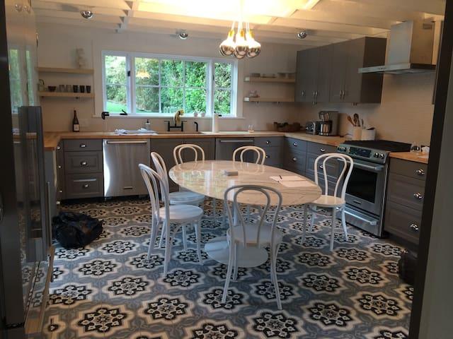 30 Indian Wells - Amagansett - House