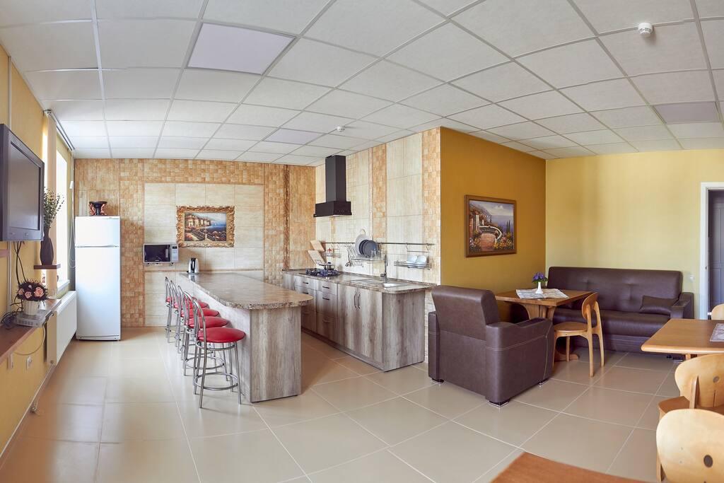 Общая кухня на этаже.