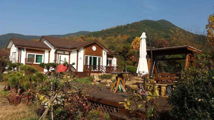 산과 계곡을 벗삼은 힐링공간 - Changnyeong-gun - Casa de hóspedes