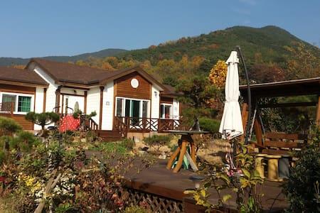산과 계곡을 벗삼은 힐링공간 - Changnyeong-gun - Domek gościnny