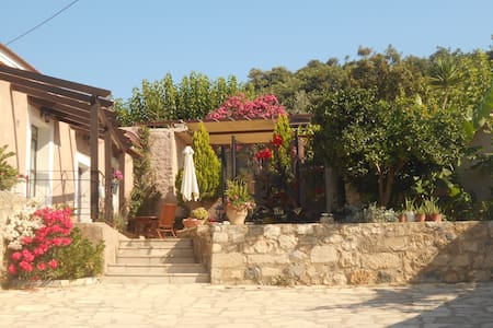 Taditional House Kefala1860 for 4-9 - Crete - Casa cova